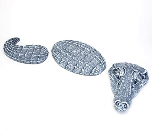 Amazon Com Bits And Pieces Alligator Garden Stones 3 Pc Garden Decor For Lawn Patio Or Yard Durable Polyresin Garden Stones Garden Outdoor