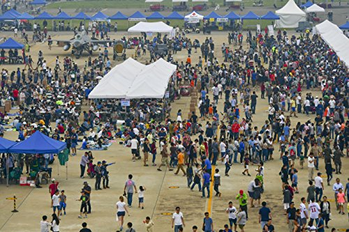 Tens-of-thousands-of-people-attend-Air-Power-Day-2016-at-Osan-Air-Base-Republic-of-Korea-Sept-25