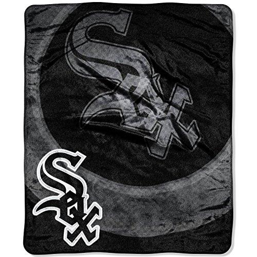 MLB Chicago White Sox Raschel Plush Throw Blanket, Retro Design