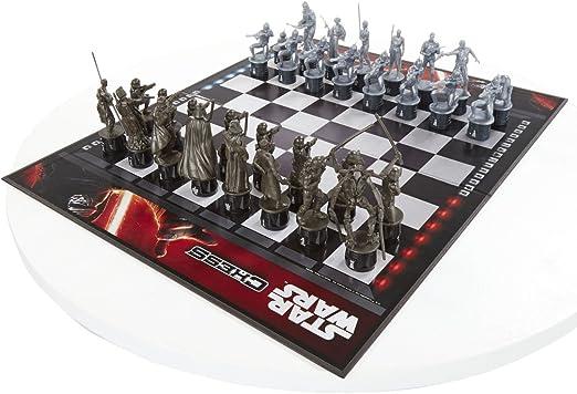 Star Wars Force of awakening chess game by Takara Tomy: Amazon.es: Juguetes y juegos