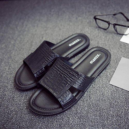 fankou Europa y América Ola de Frío Verano Indoor Masculino Zapatillas Estancia Baño Suave Antideslizante Personalidad Inferior,39-40, Negro