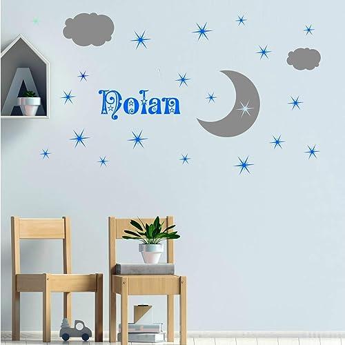 Stickers mural 23 éléments ciel étoilé : lune, nuages et prénom. Décoration  mur chambre enfant/bébé. 14 couleurs au choix.