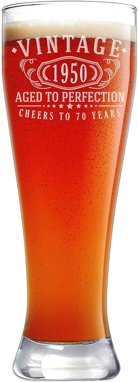 Vaso de cerveza vintage 1950 grabado de 23 onzas Pilsner – 70 cumpleaños envejecido a la perfección – 70 años de edad regalos
