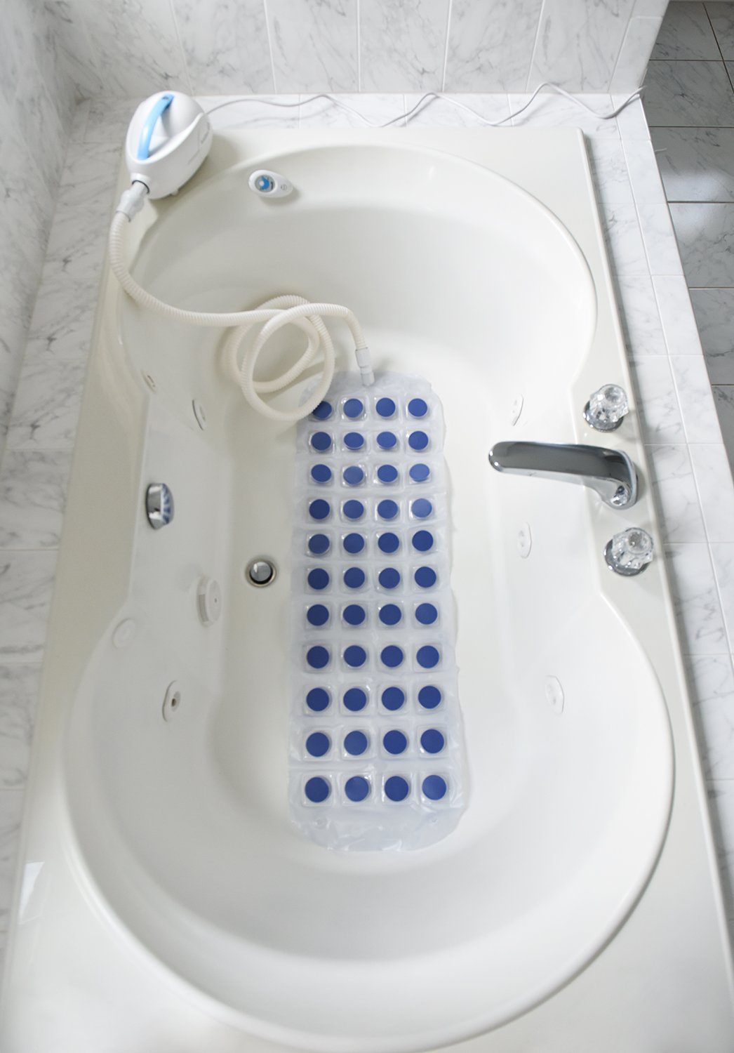 Amazon.com : Ivation Waterproof Bubble Bath Tub Body Spa Massage - Mat with  Air Hose - Massaging Bubbles for Relaxing Bath : Beauty