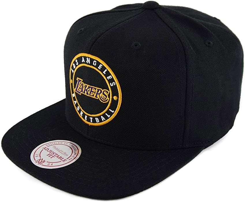 Mitchell   Ness Los Angeles Lakers Circle Patch Team Snapback Gorra ... 1a03e59ec7b