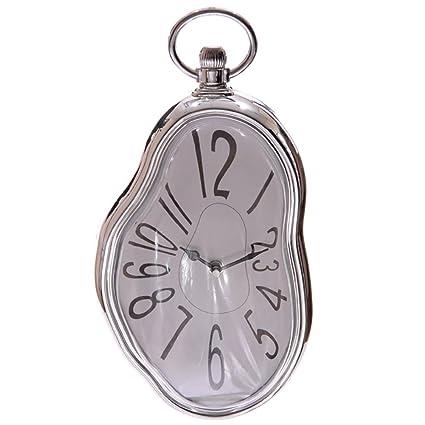 Reloj de pared en estilo derretido de Salvador Dalí