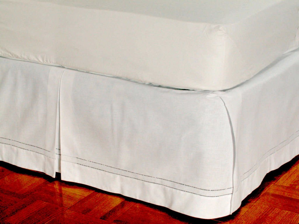 D. Kwitman and Son Hemstitch Box Pleat Bed Ruffle, 18-Inch Queen, White by D. Kwitman and Son