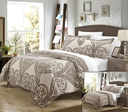 Pastola REVERSIBLE printed Quilt Set. Front a traditional pattern and Reverses into a houndstooth pattern, Queen, Beige ()