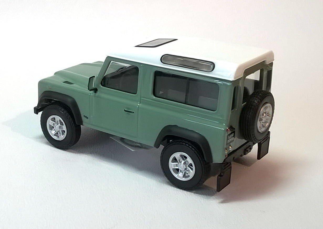 Model Scale 1:43 Light Green cararama LAND ROVER DEFENDER