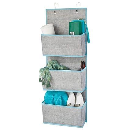 mDesign Colgador de ropa sin taladro – Organizadores de armarios con 3 bolsillos – Percheros para puerta multiusos para el cuarto de los niños o el ...