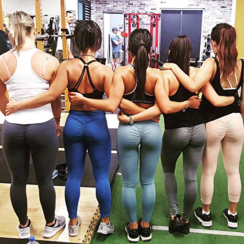 thick ass in yoga pants