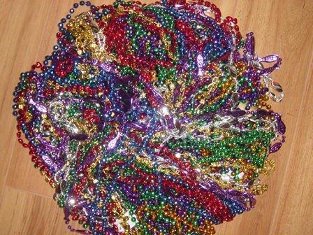 [312 Strands WHOLESALE Mardi Gras Beads LOT 26 dozen 33