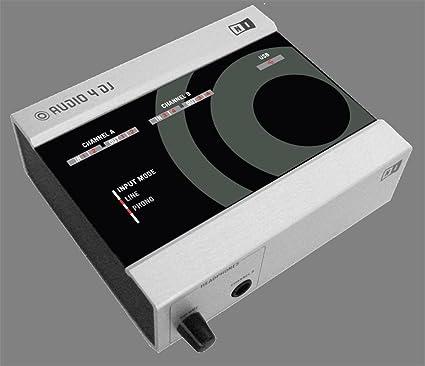 Amazon.com: Native Instruments Traktor Audio 4 DJ interfaz ...