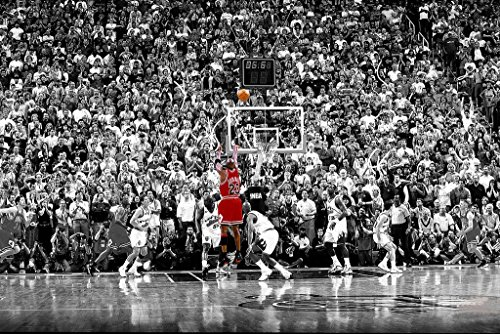 - Poster Michael Jordan Chicago Bulls Last Shot 1998 (Basketball) Sports Print (24in x 36in)