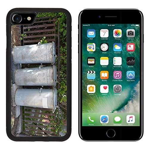 msd-premium-apple-iphone-7-iphone7-aluminum-backplate-bumper-snap-case-three-old-vintage-steel-trash