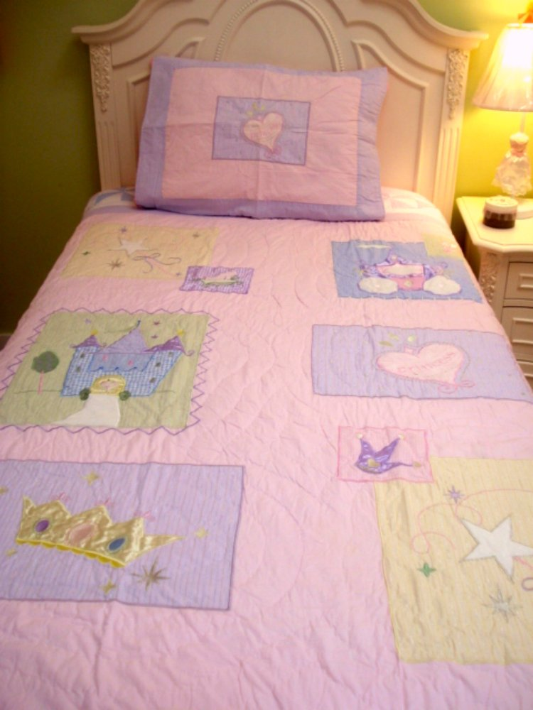 Twin Girl Quilt, Patchwork Style Quilts For Girls With Appliques, 1 Sham, 100% Cotton, 68 x 86, Multiple Designs (Princess)