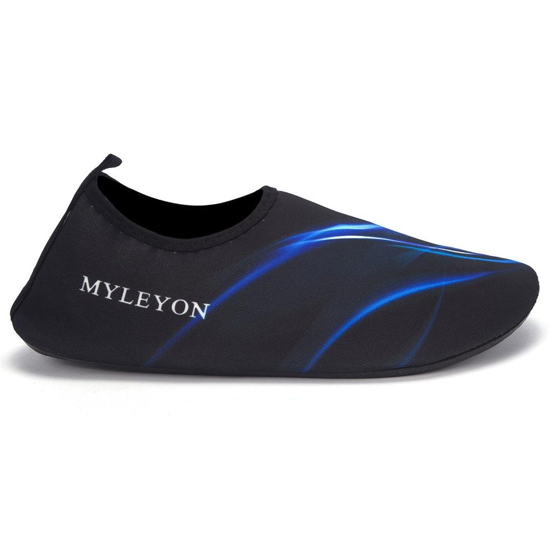 Hombres y mujeres Zapatos de agua para niños Calcetines Aqua descalzo  Ligero de secado rápido Beach Yoga Buceo Snorkeling Surf Zapatos Negro y  azul 920371ecf5e