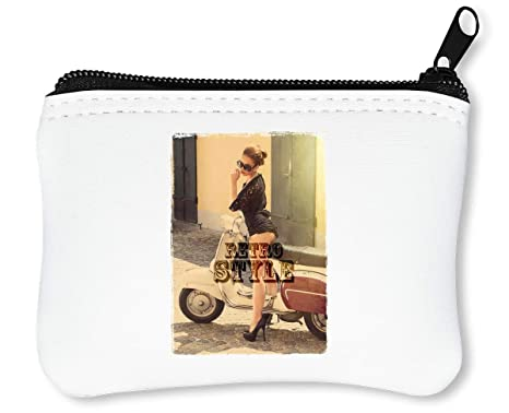 Retro Style On A Bike Vintage Girl from Italy Motocycle Modern Scooter Vintage Pin Up Billetera