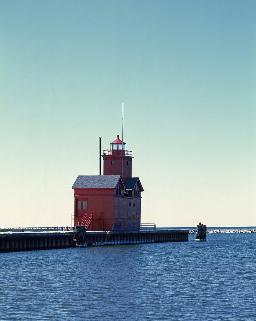 Holland Harbor, MI - Photo - South Pierhead Lighthouse, known locally as ''Big Red,'' Holland Harbor, Michigan - Carol Highsmith