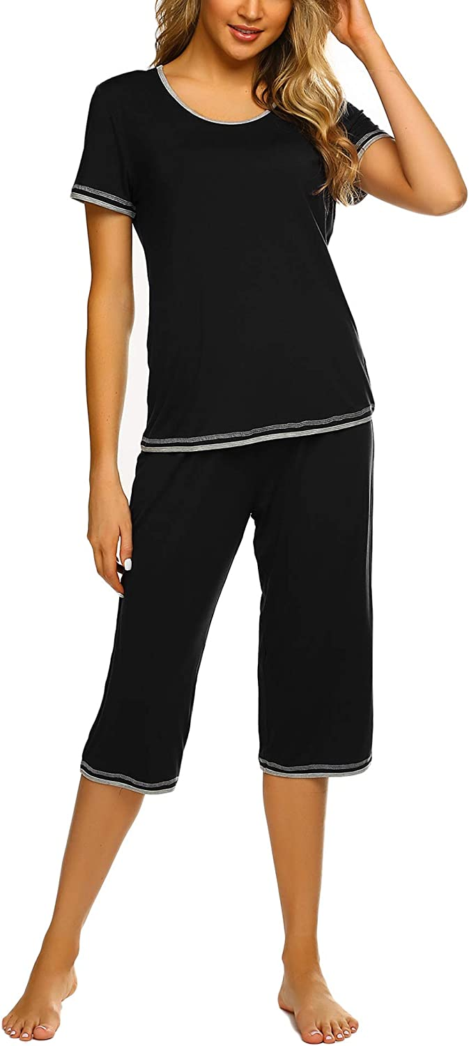 Ekouaer Womens Pajama Sets Sleepwear Short Sleeve Classic Tops with Capri Pjs Set
