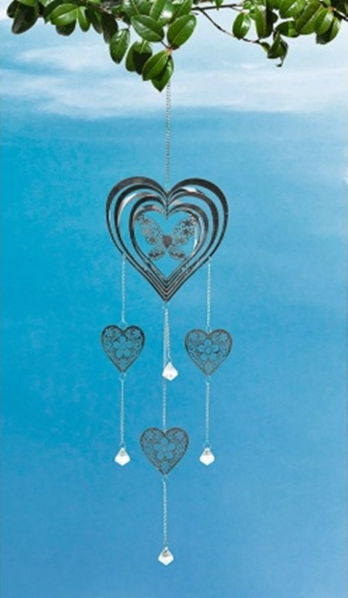 Beautiful Metal Wind Spinner & Hanging Crystals Add some sparkle to your garden - Heart & Butterfly Scotrade