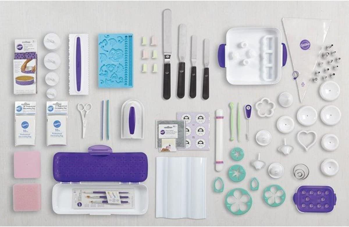 Wilton 8 8 Pieces Ultimate Cake Decorating Set with Tote, Paper,  Multicolour