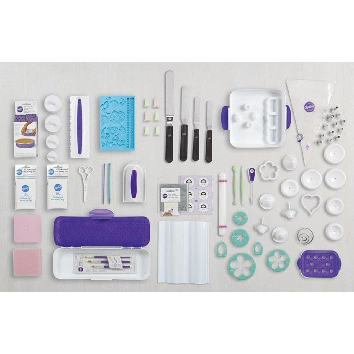 Wilton 21099036 216Piece Ultimate Cake Decorating Set with Tote