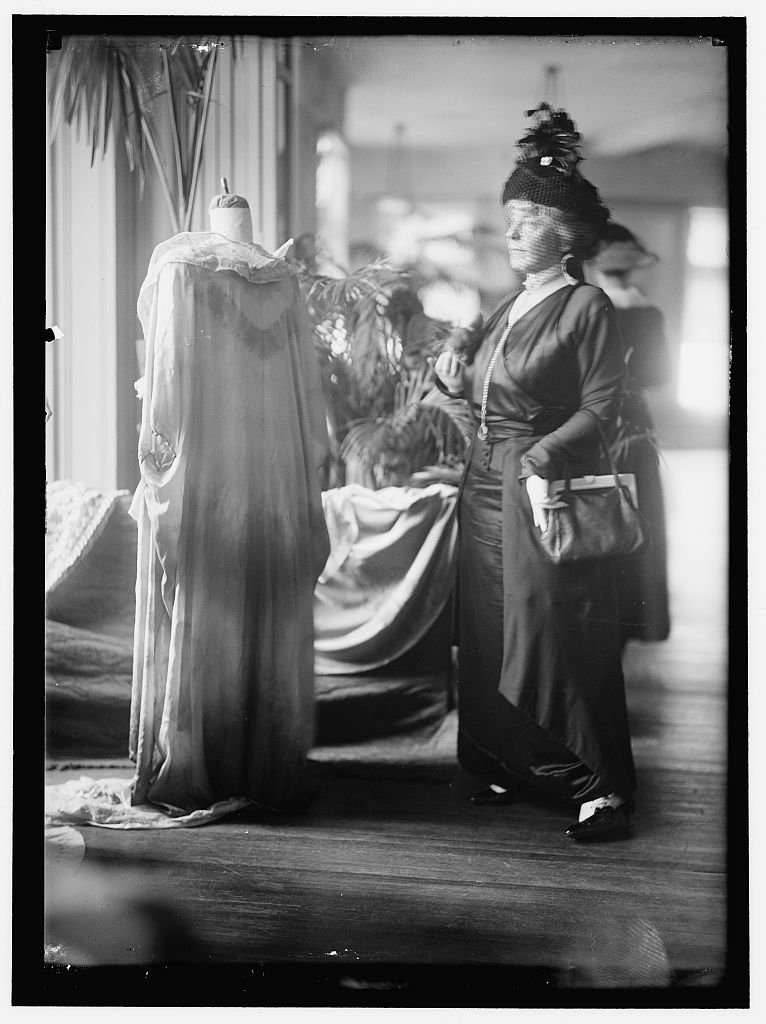 Vintography Reproduced 24 x 30 Photo Hemmick, Mrs. Christian D. at National Style Show 1914 Harris & Ewing a72