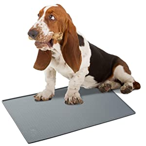 SunGrow Silicone Pet Feeding Mat, 19x12 Inches, Waterproof, Splash Proof Placemat Raised Edges, Anti-Skid, FDA-Approved, Ideal for Dogs, Cats, Rabbits and More