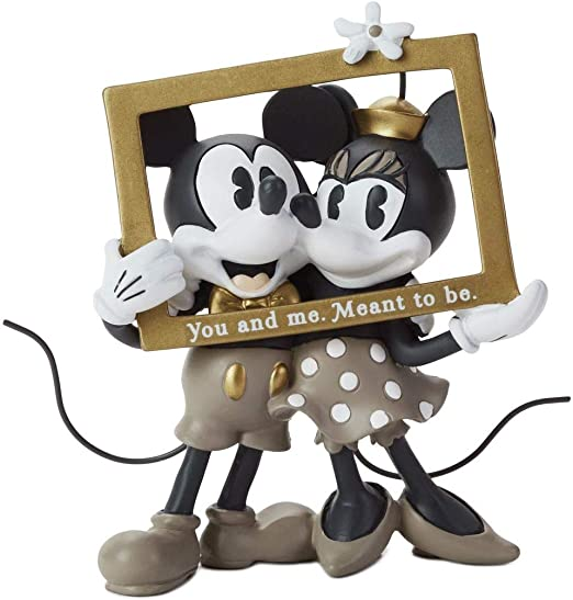 Hallmark Disney  Resin Ornament  2018 Mickey /& Minnie NEW