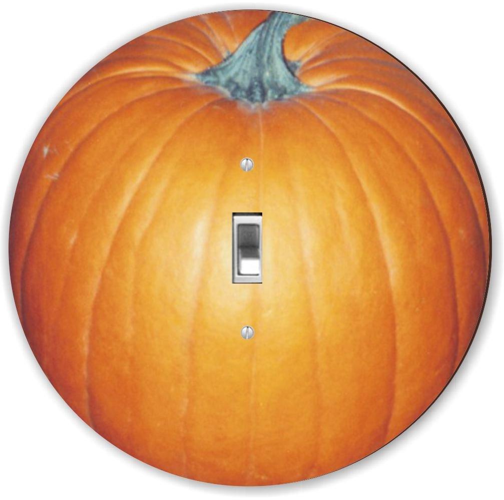 Rikki Knight RND-LSPS-13 Pumpkin Round Single Toggle Light Switch Plate