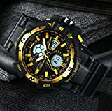 Ver Reloj Electrónico De Los Hombres Jóvenes Estudiantes De La Escuela  Secundaria Reloj De Los Hombres 584d42fa844c