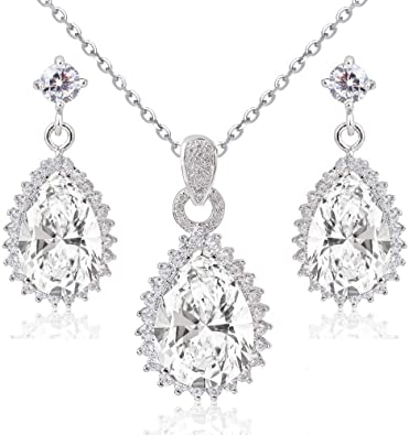 Ensemble collier et boucles doreille 18 carats plaqu/é or blanc avec cristaux autrichiens blancs en zircone