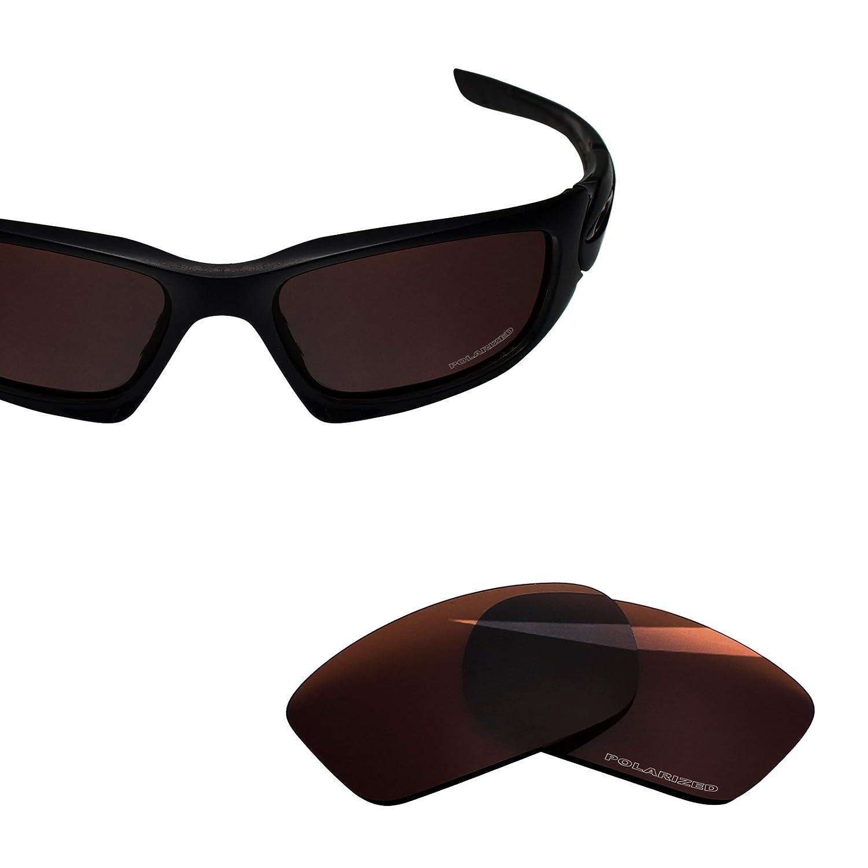df7424d517a0e Amazon.com  BlazerBuck Anti-salt Polarized Replacement Lenses for Oakley  Scalpel OO9095 - Amber  Clothing