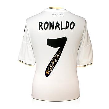 exclusivememorabilia.com Camiseta de fútbol del Real Madrid firmada por Cristiano Ronaldo: Amazon.es: Deportes y aire libre