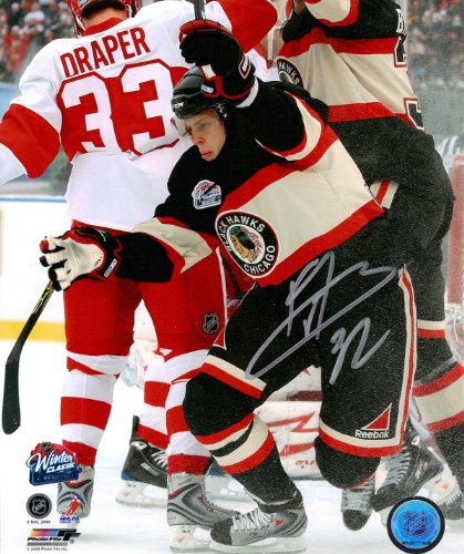 Kris Versteeg Winter Classic Goal At Wrigley Field Autographed Signed 8x10 ()