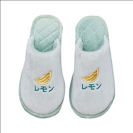 Pantofole Coreane Del Cotone Del Fumetto Delle Pantofole Degli Uomini Di  Cotone Della Frutta Delle Donne 2e34734e6c9