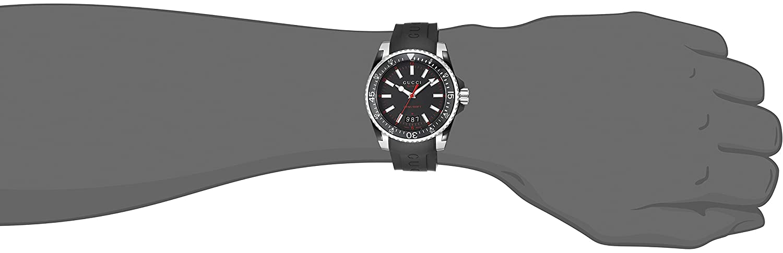 1aef6e75e7f Gucci Dive YA136303  Amazon.co.uk  Watches