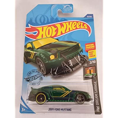 Hot Wheels 2020 Hw Dream Garage 2005 Ford Mustang, 19/250 Green: Toys & Games