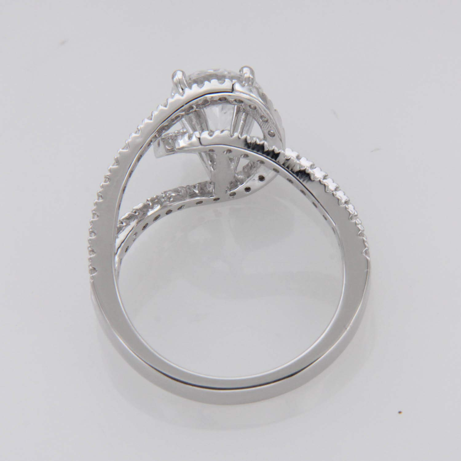 Krivox 3.50ct Round Cut Simulated Diamond 14k White Gold Finish Solitaire Buckle Engagement Ring for Womens