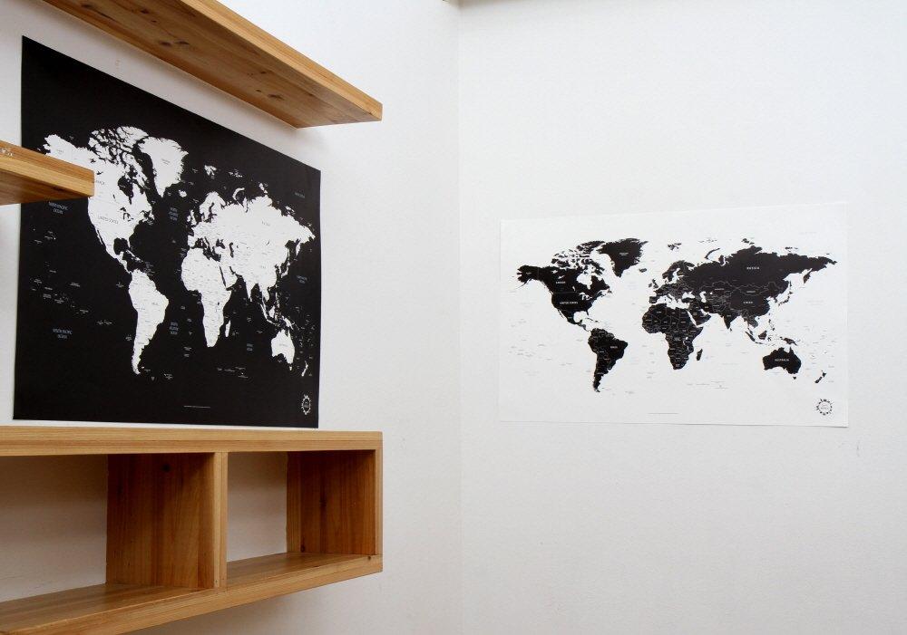 Poster Carte du monde Noir et Blanc Design unique Traveler