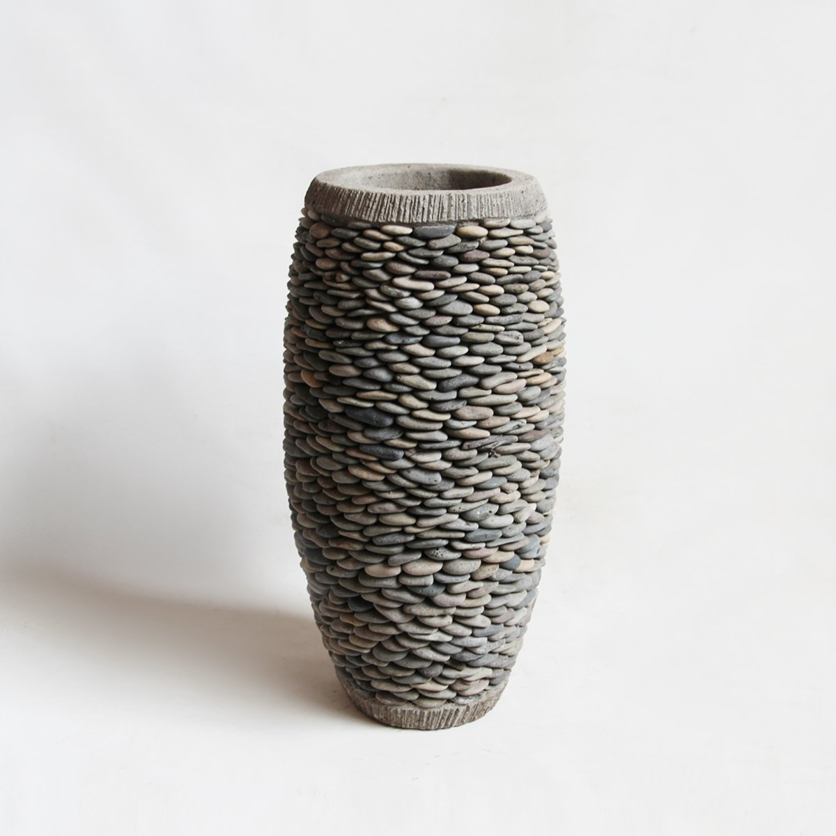 Bali Pebble Planter Small by Mix Furniture