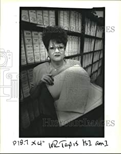 Historic Images - 1992 Press Photo Audrey Holmes, Clerk Officers at The St. John Parish Courthouse