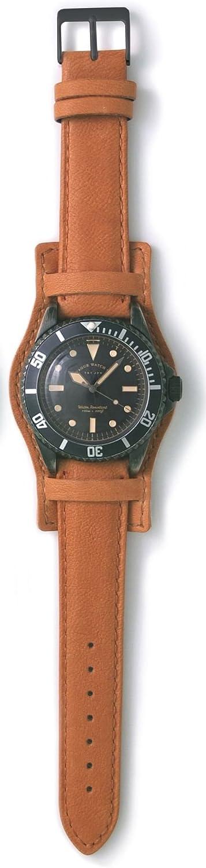 [ヴァーグウォッチカンパニー] 腕時計 BLK SUB(ブラック サブ) ミリタリー GUIDI&ROSELLINI 台座付クラシックベルト BS-L-CB002 ブラウン