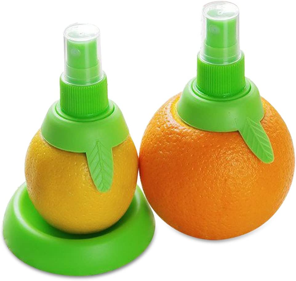 """Lemon sprayer gadget, Green Citrus Sprayer Set, 2pcs, in 3.9"""" & 3.3"""", Holder Plate, Lime Juicer Extractor for Vegetables, Salads, Seafood and Cooking Fashionable Kitchen Gadget BLUETOP"""