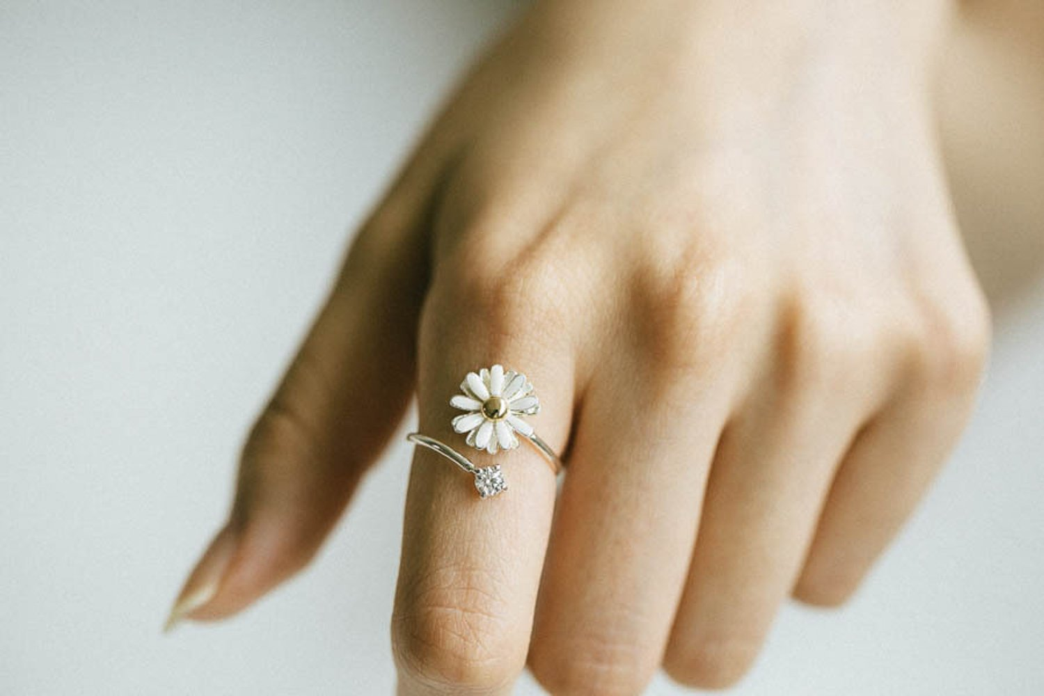 fashion jewelry bling beautiful cute simple brass for women teens girls friend her pretty adjustable expendables scratch midi knuckle wrap around cz cubic zirconia plant white leaf daisy flower ring