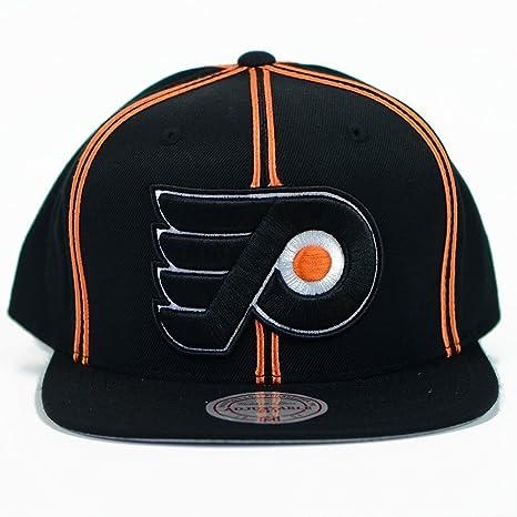 8dfb8074f1a Amazon.com   Mitchell   Ness Philadelphia Flyers NHL Vintage XL ...
