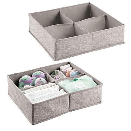 mDesign – Organizador para bebés – Caja organizadora con cuatro compartimentos para pañales, toallitas,