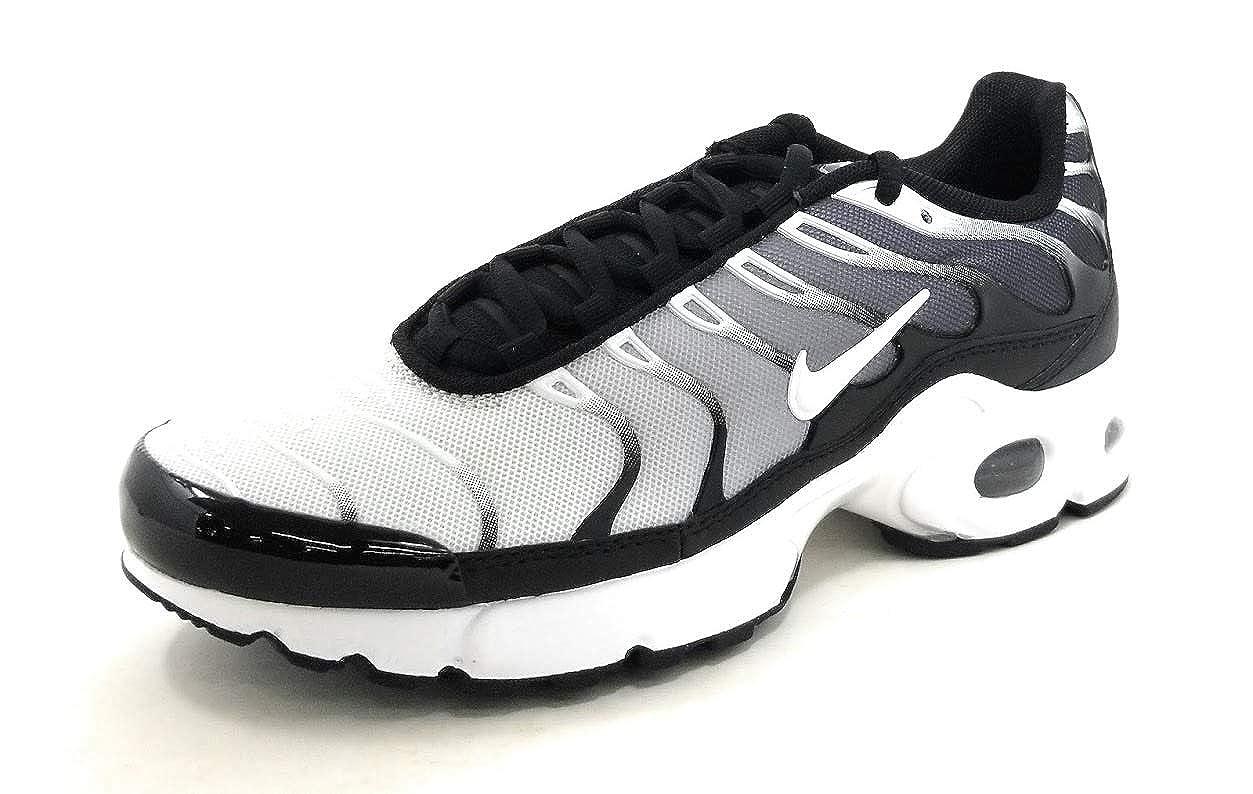 sports shoes 8f08e 7ad04 Amazon.com | Nike Air Max Plus Gs 'Black White' Boys/Girls ...