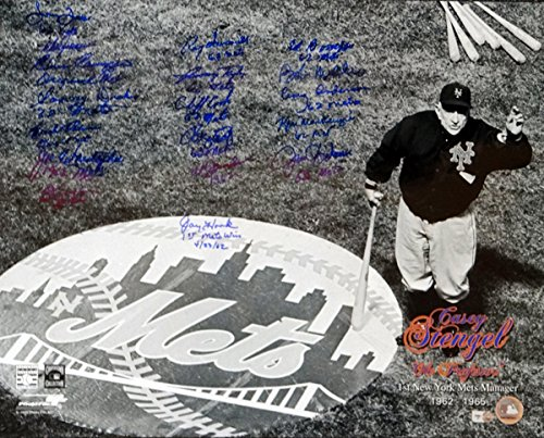 1962 New York Mets Autographed 16x20 Photo With 18 Signatures MLB Holo #LH224582